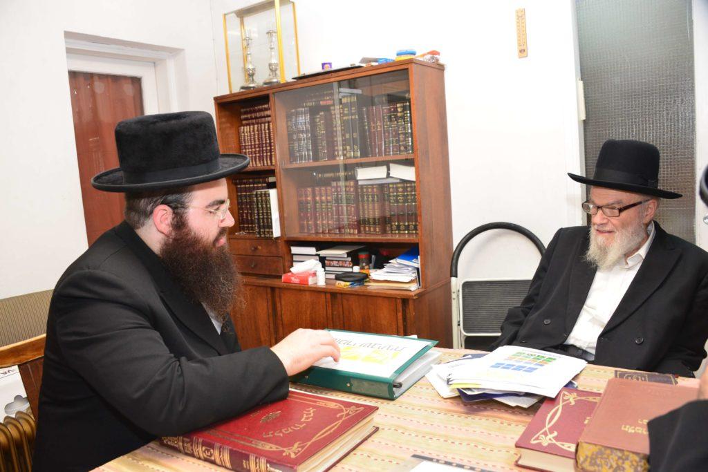 הרב משה הלל הירש בדיון עם רבני אגודת שמיטה